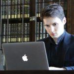 Павел Дуров собирает команду юристов после решения суда оштрафовать принадлежащий ему мессенджер Telegram на 800 тысяч рублей за отказ от сотрудничества с ФСБ